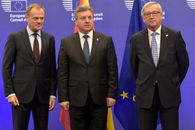 Fra venstre: Donald Tusk, formand for EU Rådet, Gjorge Ivanov, præsident for Republikken Makedonien og Jean-Claude Juncker, formand for EU-Kommissionen. Bryssel den 17. februar 2016 © European Union. Kilde: EU-Audiovisual Service. Foto: Etienne Ansotte